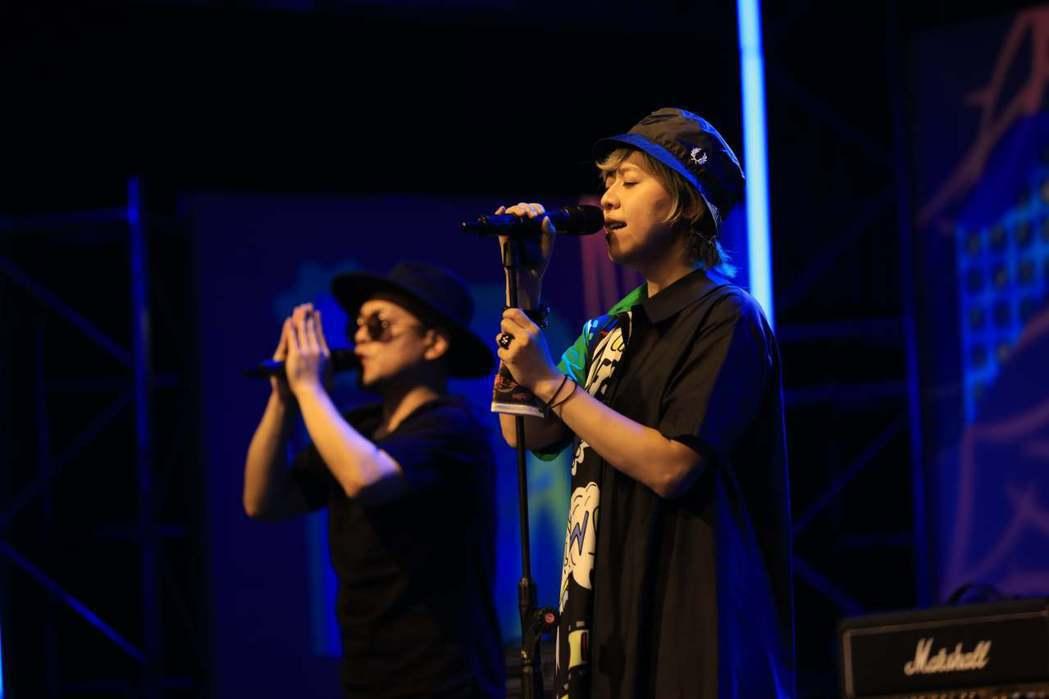 江惠儀(右)今年也拿下原創音樂獎的肯定。圖/新視紀整合行銷提供