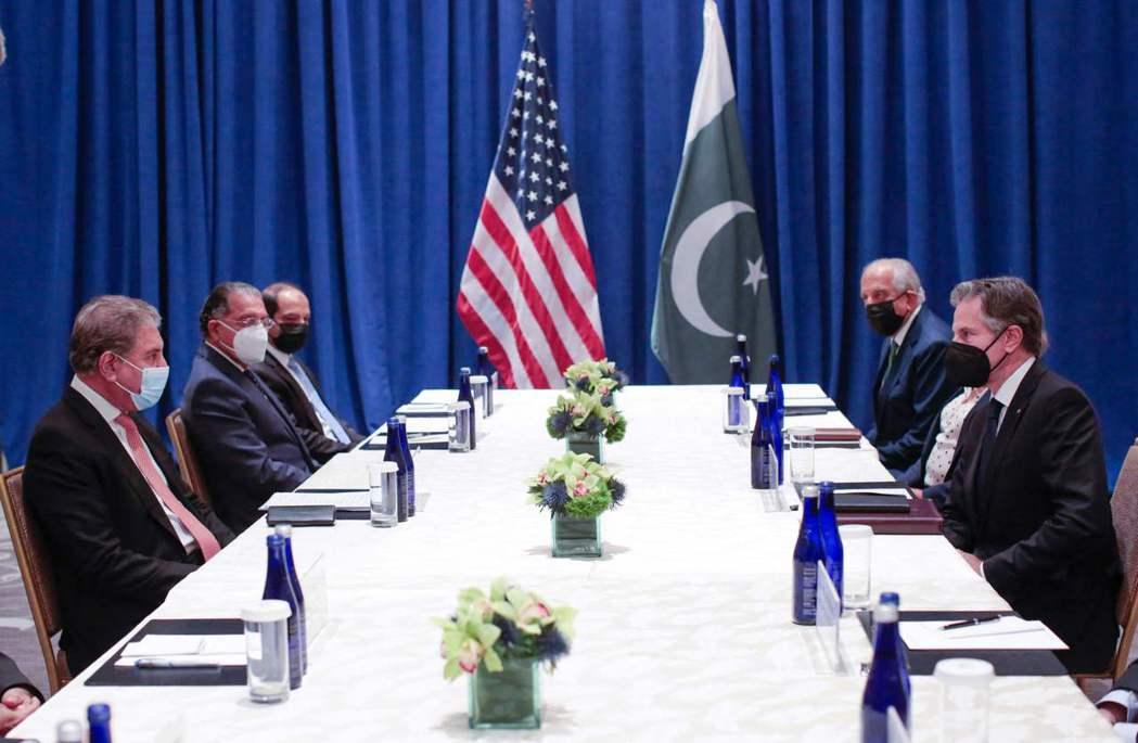 巴基斯坦在反恐戰爭中一直是美國及北約盟友,不僅提供情報,也提供空中通道、後勤支援,協助西方打擊恐怖組織,其地理位置也最適合美國建立基地。 圖/法新社