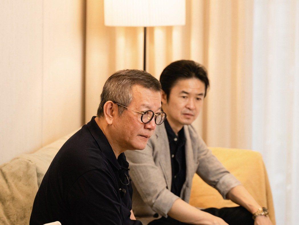 璞園建築團隊董事長李忠恕(左)與Panasonic總經理真下宗治。