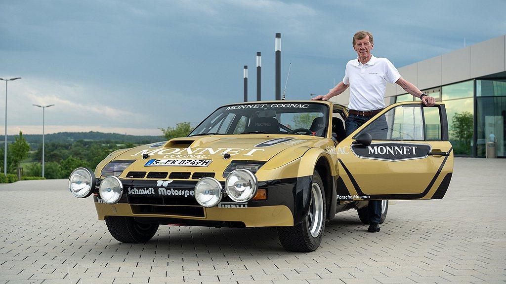 Porsche Heritage暨博物館部門為傳奇車手Walter Röhrl復...