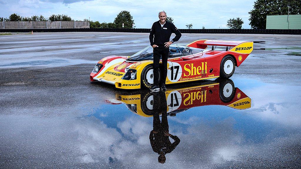 兩度利曼冠軍Hans-Joachim Stuck成功奪下利曼冠軍頭銜的駕駛車款9...