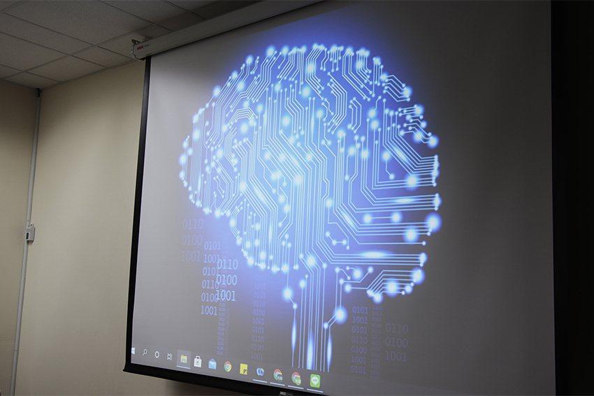 大腦中樞神經掌管一切,透過人工智慧腦波機的研發,為未來創造無限可能! 中央大學/...