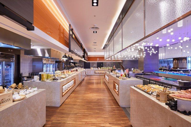 百宴自助餐廳10月1日回歸吃到飽型態並祭出滿千300的優惠。 台北凱達/提供