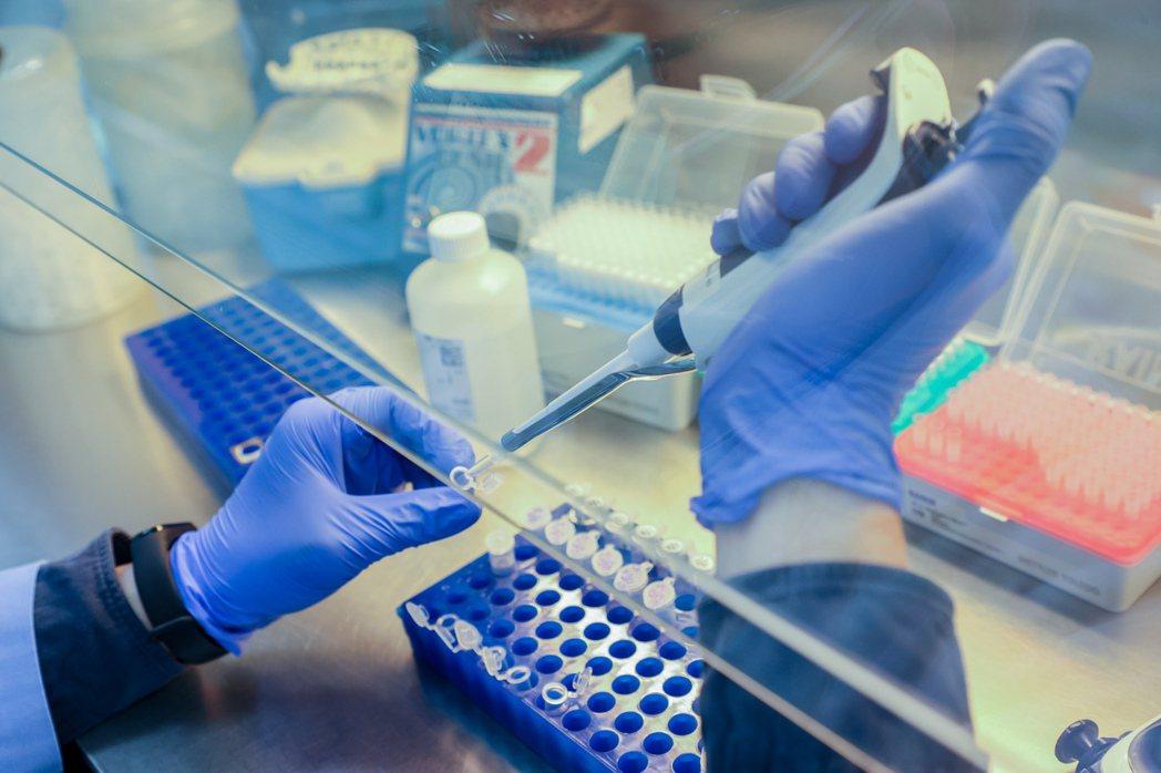 政院拍板翻修《生技醫藥產業發展條例》草案,CDMO公司、再生醫療等納租稅優惠。(...