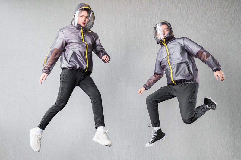 長榮航空防護夾克2.0大膽採用神秘黑與亮麗黃撞色設計,打造前衛半透明的視覺效果。 圖/長榮航空提供