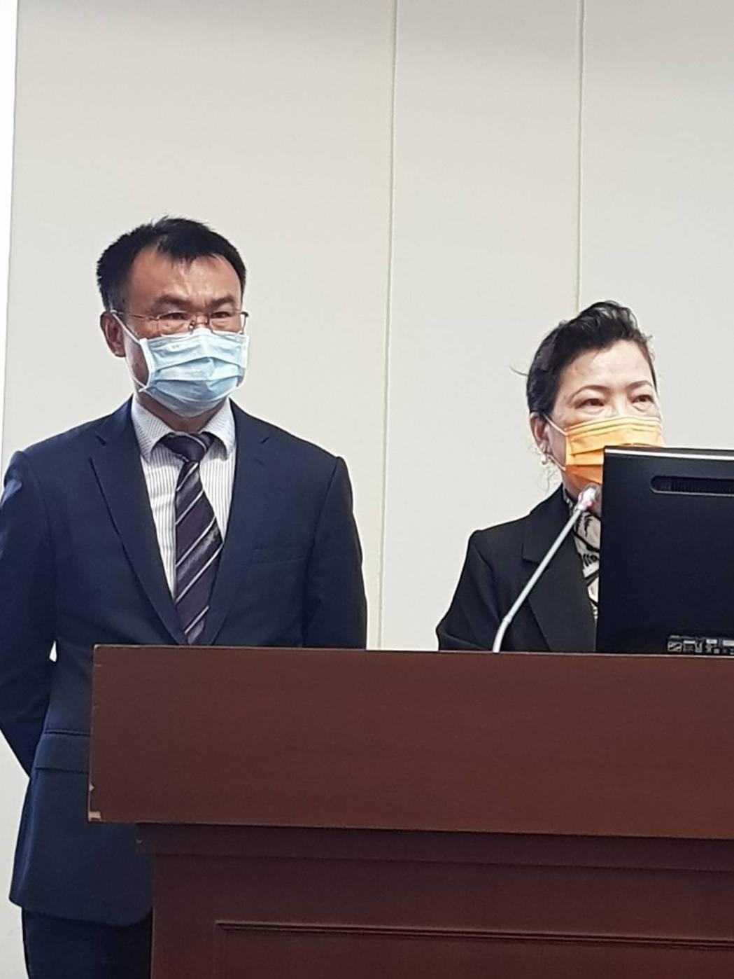農委會主委陳吉仲(左),經濟部長王美花(右)。記者彭宣雅/攝影