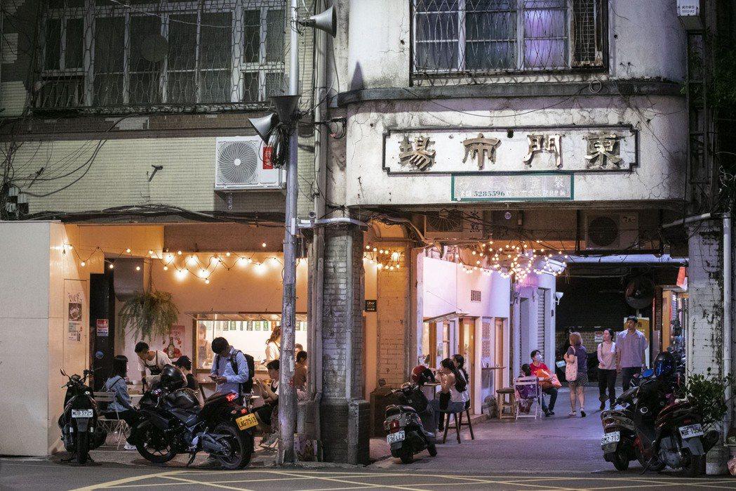 市府推出5萬份200元換400元的「買爆券」活動,8日起在竹市統一超商兌換,當日...