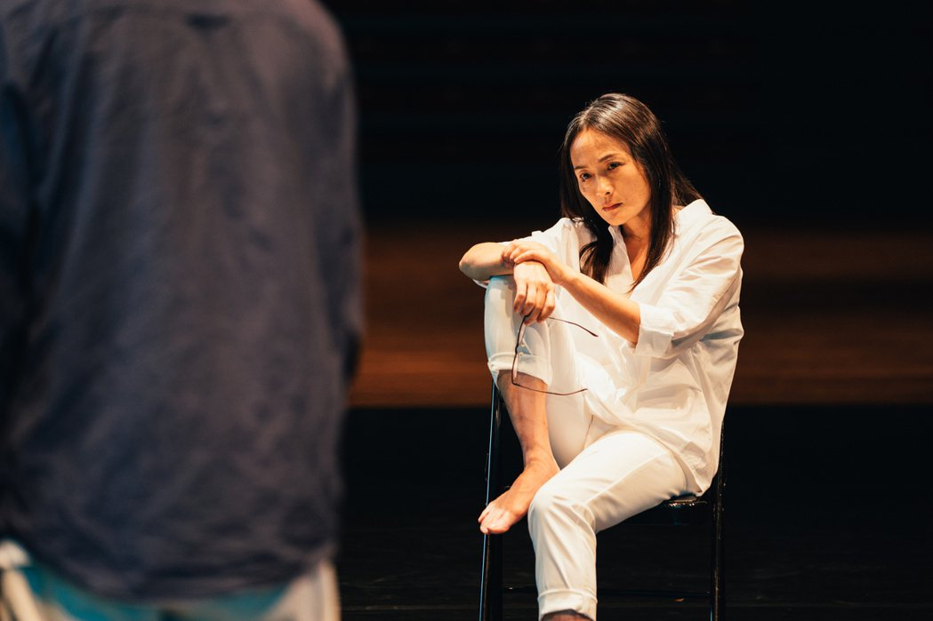 「劇場天后」徐堰鈴在「光的孩子」中飾演編舞家。圖/客家電視提供