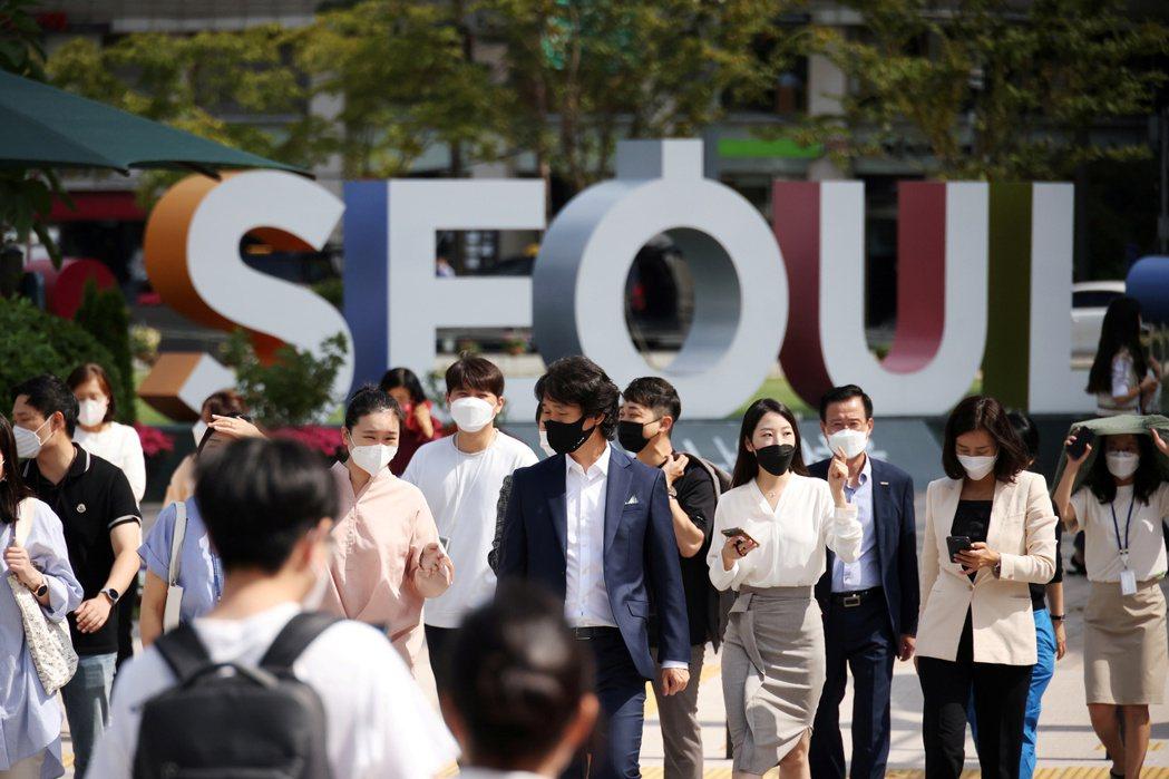 去年滿30歲但維持單身的南韓男女,首度超過42%。路透