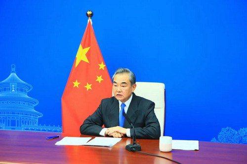 大陸國務委員兼外長王毅27日表示,中國歷來反對一切強權,不畏任何脅迫。(圖/取自...