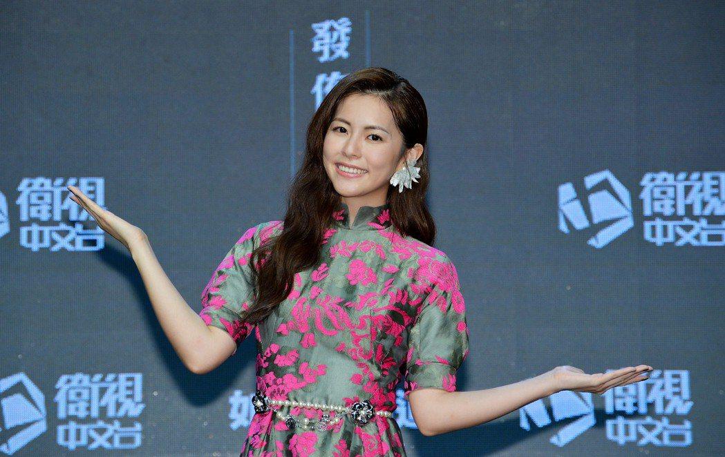 任容萱主演「如果花知道」,劇中飾演一名年齡不可考的花店老闆。圖/衛視中文台提供