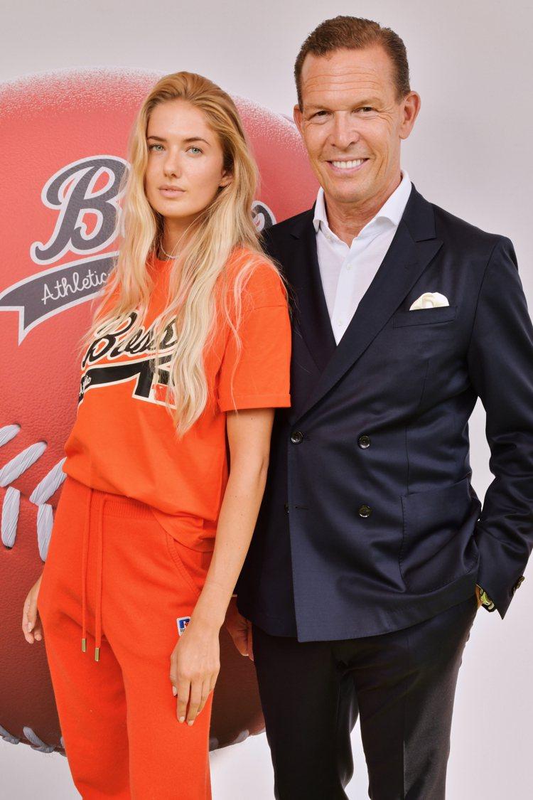 德國田徑好手Alica Schmidt(左)與BOSS品牌總裁。圖/BOSS提供