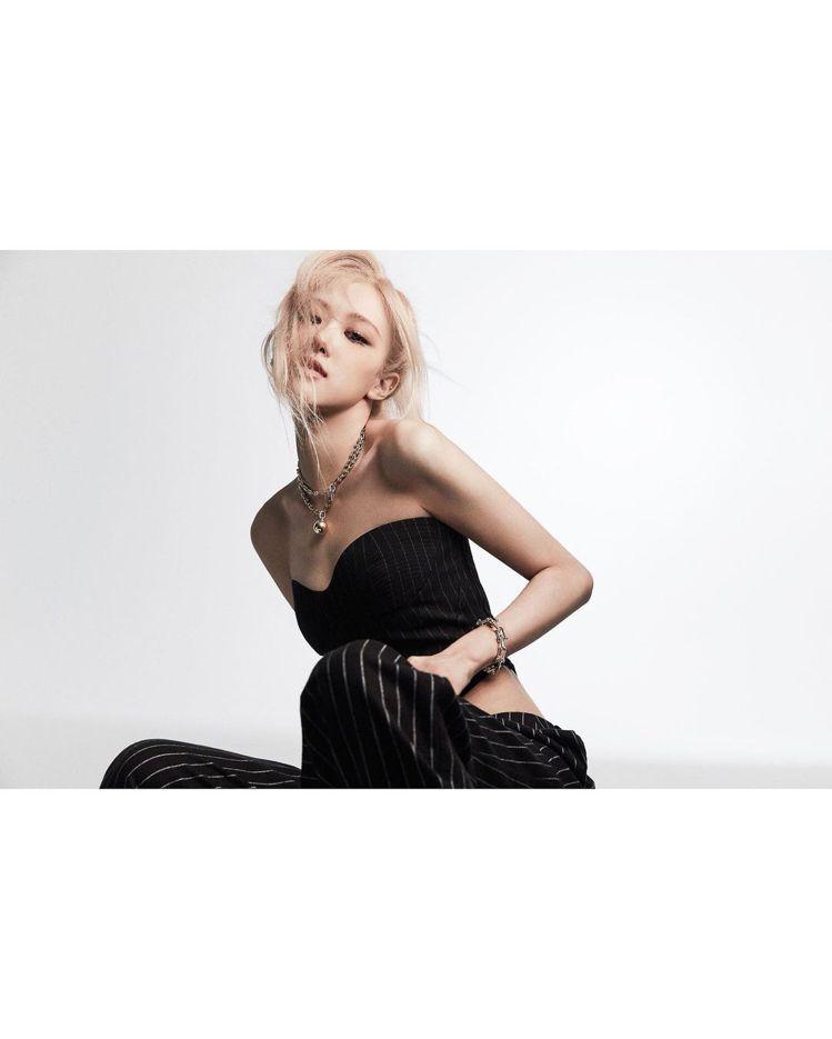 BLACKPINK成員朴彩英Rosé登上時尚雜誌。圖/摘自instagram