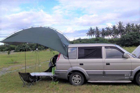 簡單型車宿:舖床、防蚊、通風、小桌椅、小棚。 圖/取自車床天地臉書社團
