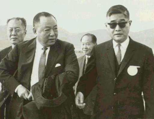 當年我駐聯合國副代表鄭寶南(前左)與外交部次長楊西崑(前右)主動找美方秘密合作,共同推動中國在聯合國的雙重代表權案。圖/聯合報系資料照片