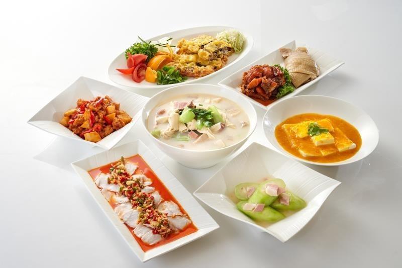 依平日四人合菜券(NT$2500)可享用:江南春經典滬式合菜。 台北福華/提供