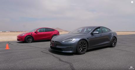 影/「超快」Tesla Model Y跟「最快」Model S Plaid加速會差多少?