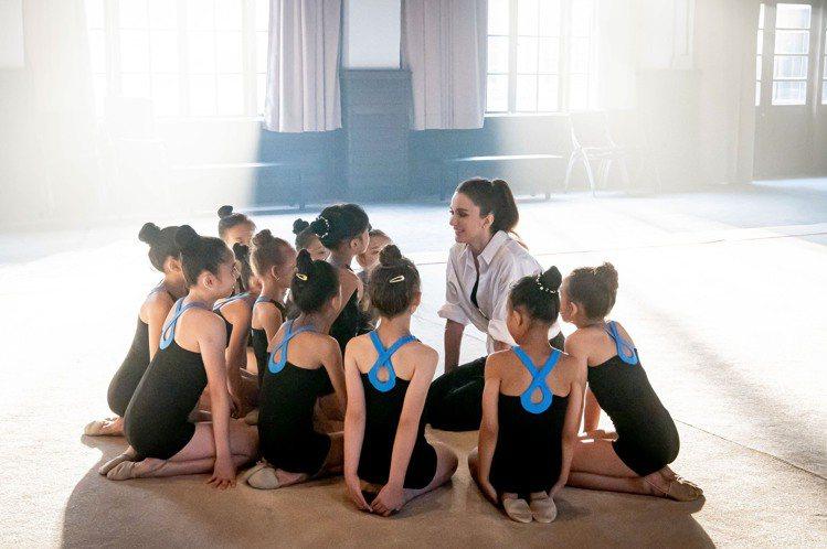 瑞莎為韻律體操一路上努力不懈、用愛栽培學生,感動無數網友。圖/點睛品提供