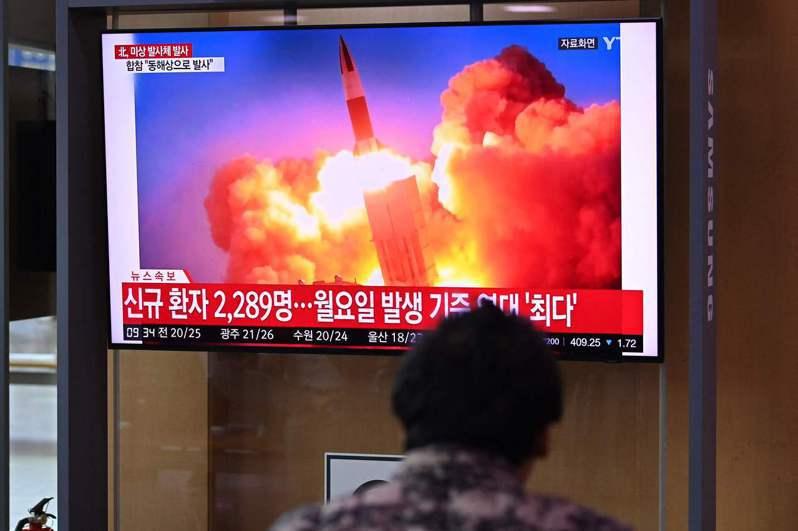 日本防衛省表示,28日清晨從北韓內陸發射的近程導彈沒有落在日本的專屬經濟水域(EEZ)內,沒有飛機或船隻受害。法新社
