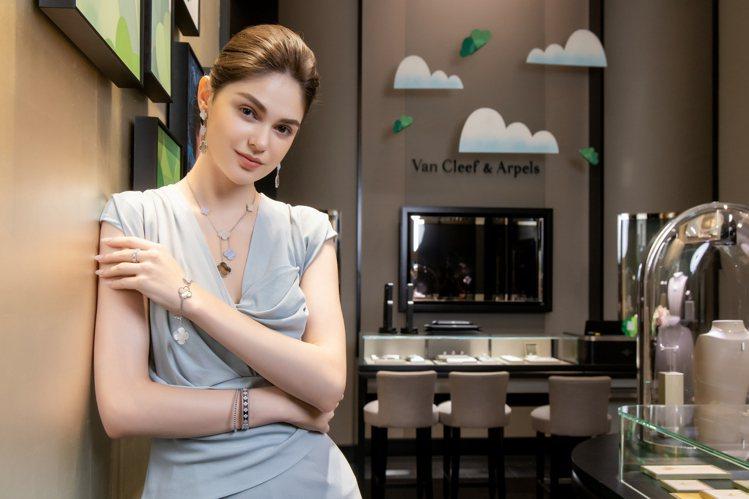 模特兒演繹梵克雅寶Alhambra系列珠寶。圖/梵克雅寶提供