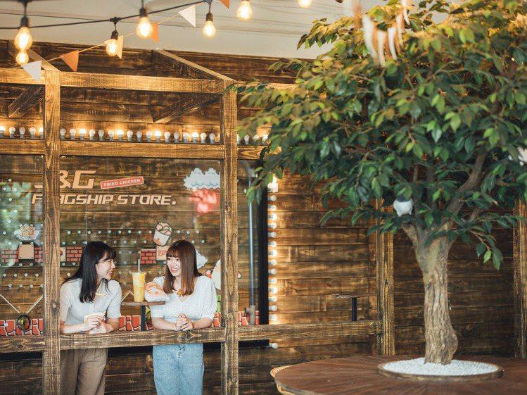 木質、金屬、燈光等元素交錯,建構起中山旗艦店的拍照空間。圖/香繼光提供