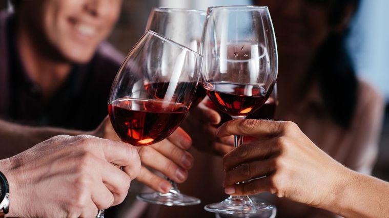 喝酒要注意!營養師:喝酒等於喝油(圖/Canva)