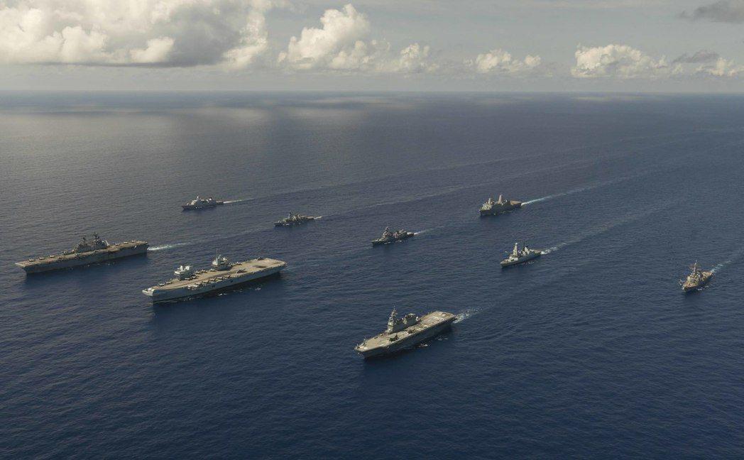 圖為美國在西太平洋軍演。  圖/US DOD