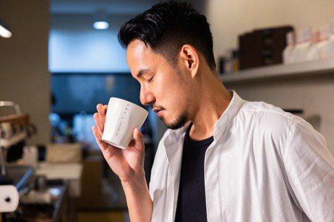 面對咖啡的一切,王策總是專注且投入。記者沈昱嘉/攝影