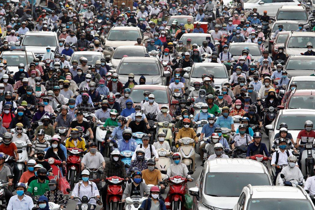 越南第3季經濟意外萎縮。(路透)