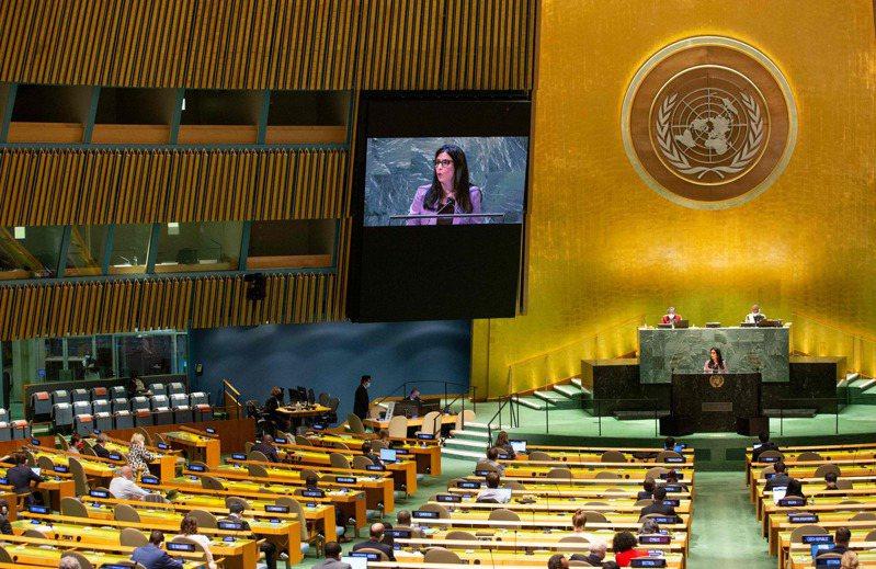 曾任駐美代表處紐約辦事處處長的夏立言表示,台灣想加入國際組織首先自己要有實力,其次是國際主要大國支持,其三就是台灣要在身分與名稱上展現彈性。圖為聯合國大會開會照片。法新社