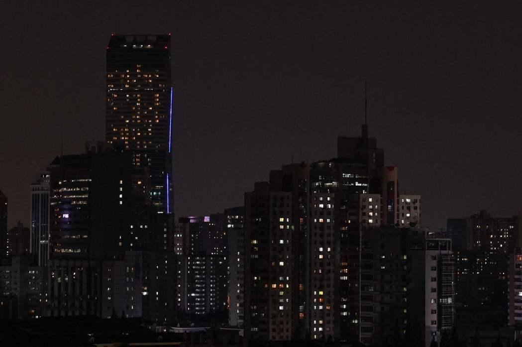 中國日前針對身為製造業重心的東北各省突然大規模限電,官方目前說法仍不一。 圖/新華社