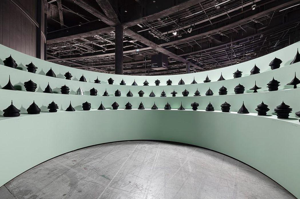 Mathieu Lehanneur以各國人口結構,創作出雕塑作品。圖/摘自Mat...