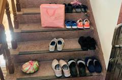 樓梯間變鄰居鞋櫃!一景象讓人氣炸 網曝通報管道:別打119