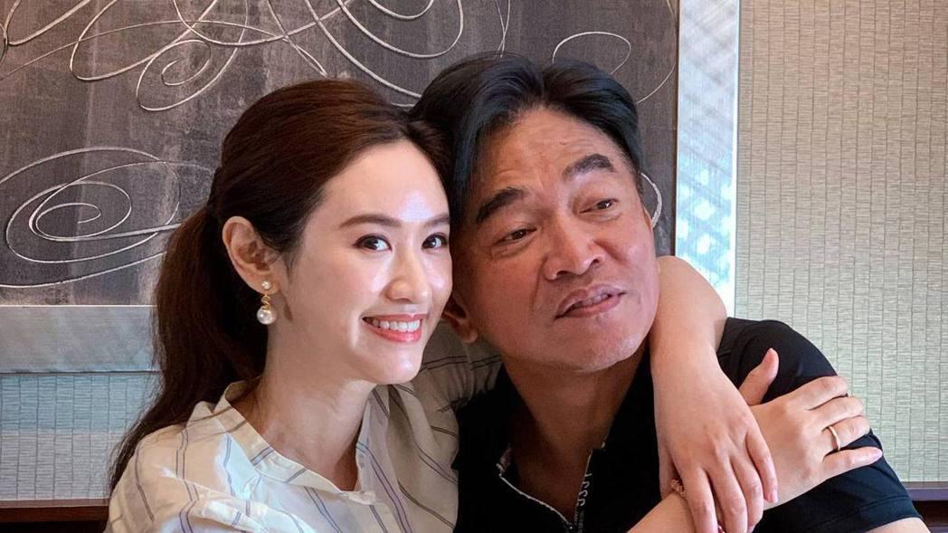 吳姍儒跟父親吳宗憲既是父女、夥伴、同事,也是朋友。圖/吳姍儒臉書