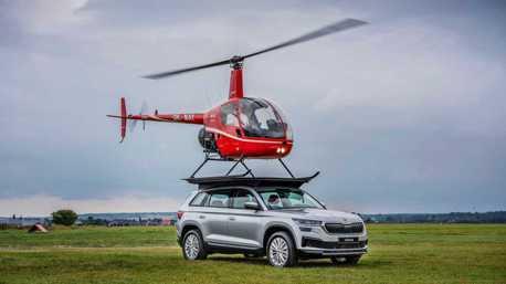 影/SKODA Kodiaq車頂竟可以降落直升機 原來是向前輩致敬!