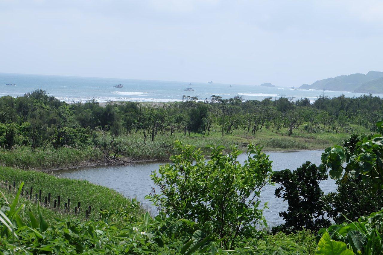 無尾港水鳥保護區,104年再經內政部公告為國家級重要濕地,內蘊含多種水鳥和動植物...