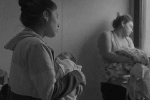 國家暴力與性別權力不對等下的受害者:《少女孕事》消失的女性自主