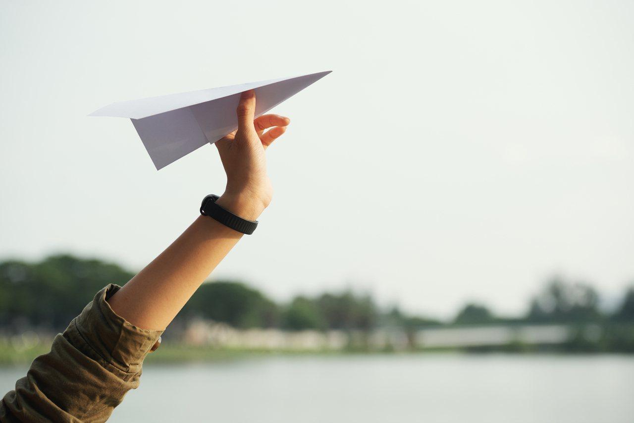 笨鳥慢飛,一樣可以抵達目標,不怕你飛得慢,只怕你不想飛。 圖/freepik