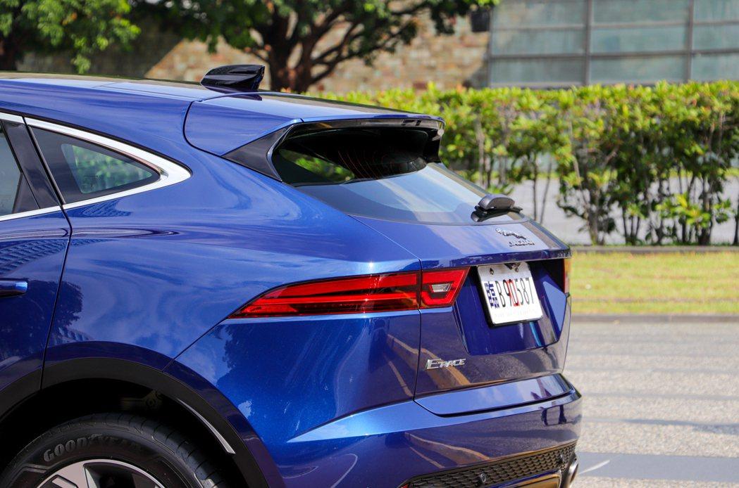 小改款Jaguar E-Pace P250 R-Dynamic SE質感更優,靈...