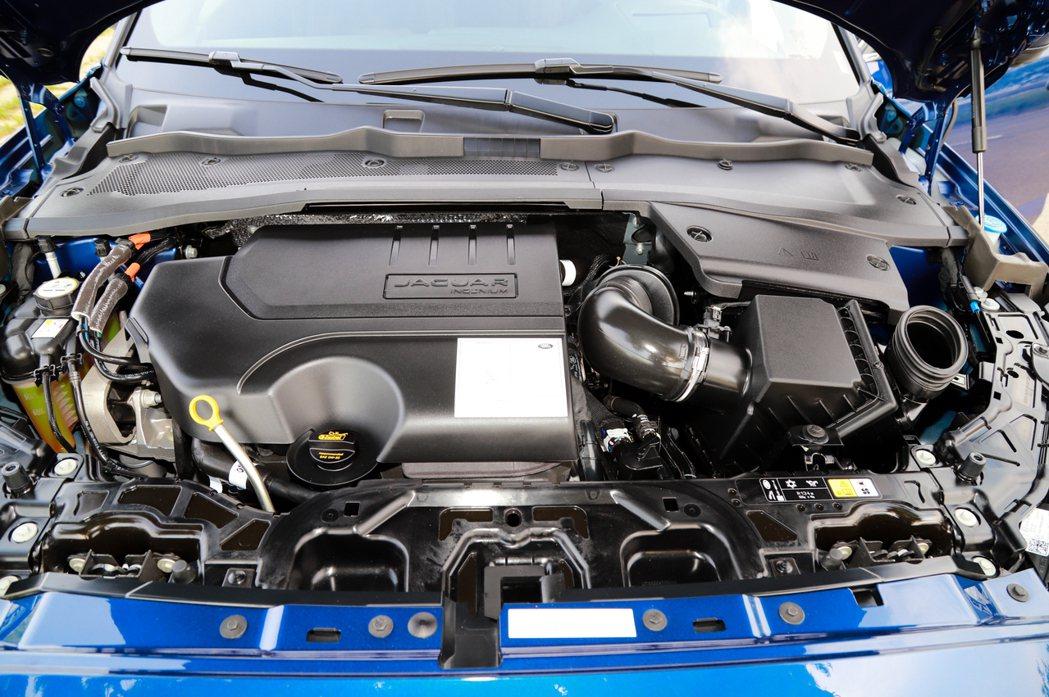 不論是P200或P250車型皆全面搭載結合48V Mild Hybrid系統的2...