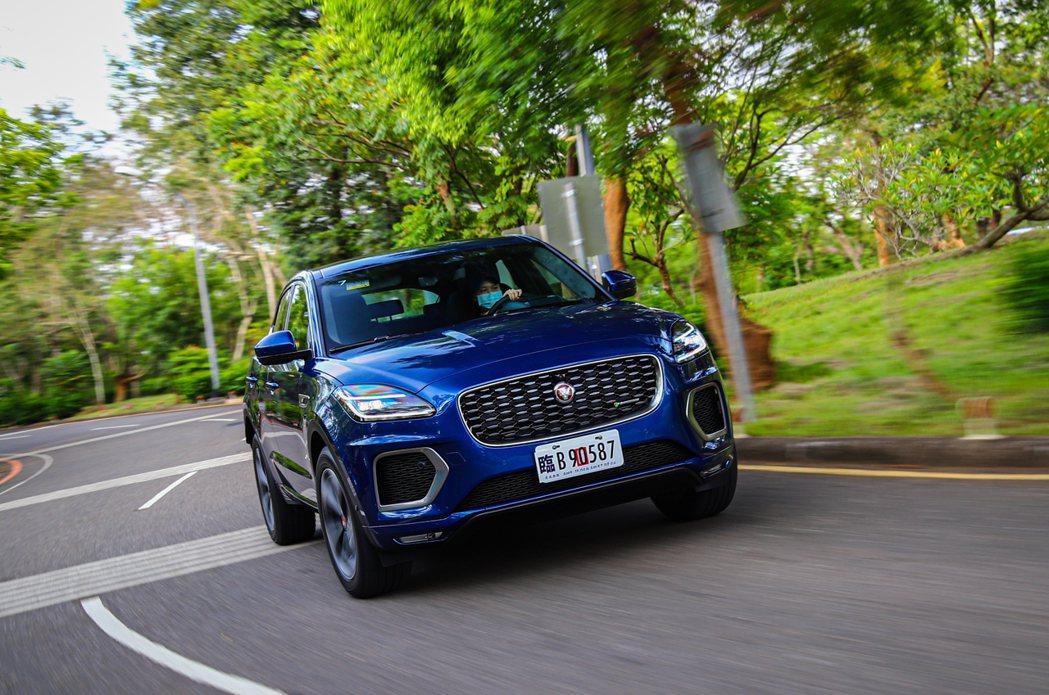 多了48V Mild Hybrid輕油電混合系統加持後的小改款Jaguar E-...