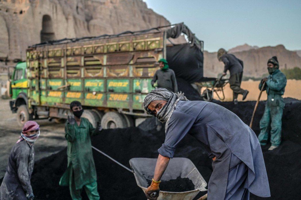 阿富汗塔利班在重新掌權後,雖然口頭上表示會與哈札拉族和解,甚至派出使者參與什葉派...