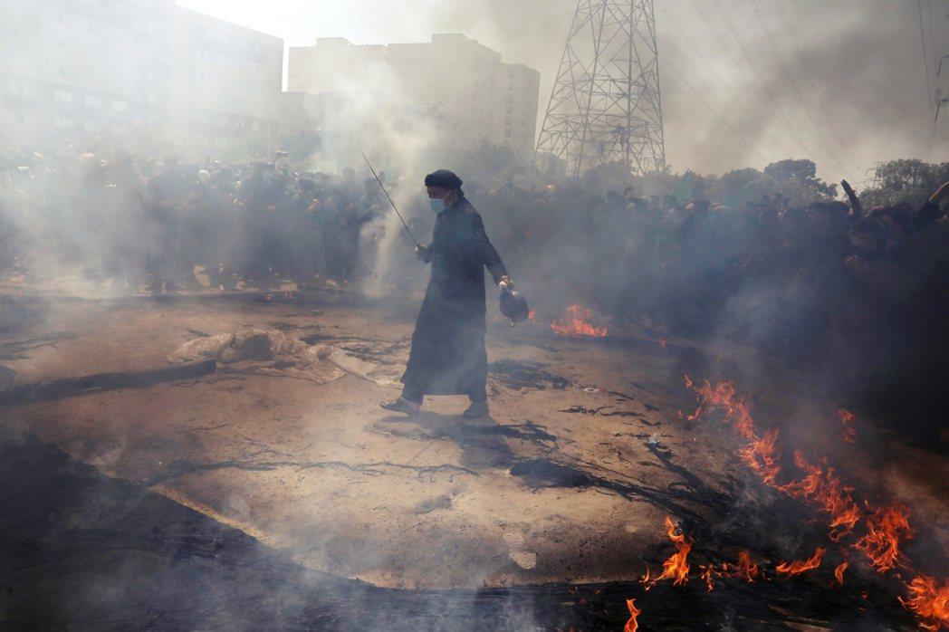 「只要塔利班不傷害境內的什葉派,伊朗應該接受塔利班,並善用其反美主義。」圖為伊朗...