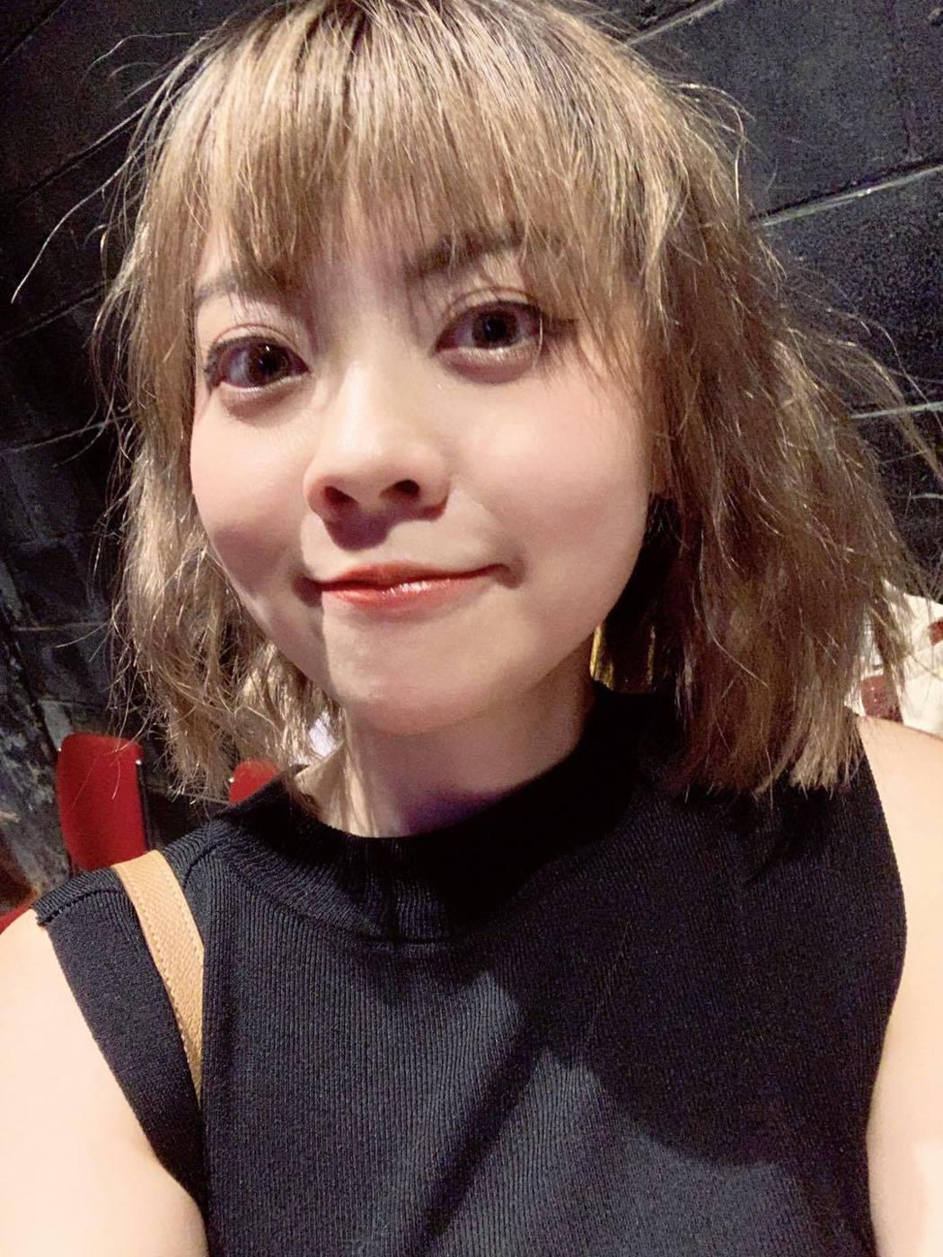 龍龍今日出席舞台劇記者會回應外界問題。圖/摘自臉書