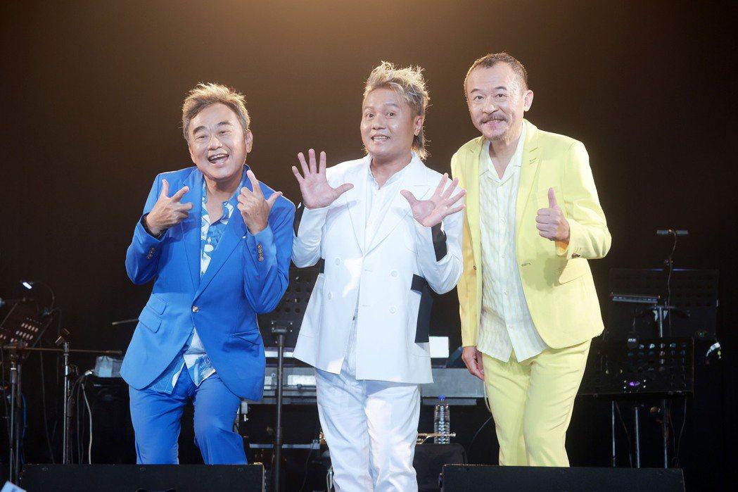 新寶島康樂隊陳昇(左起)、阿Van和黃連煜今晚將於Legacy舉辦新歌演唱會。圖