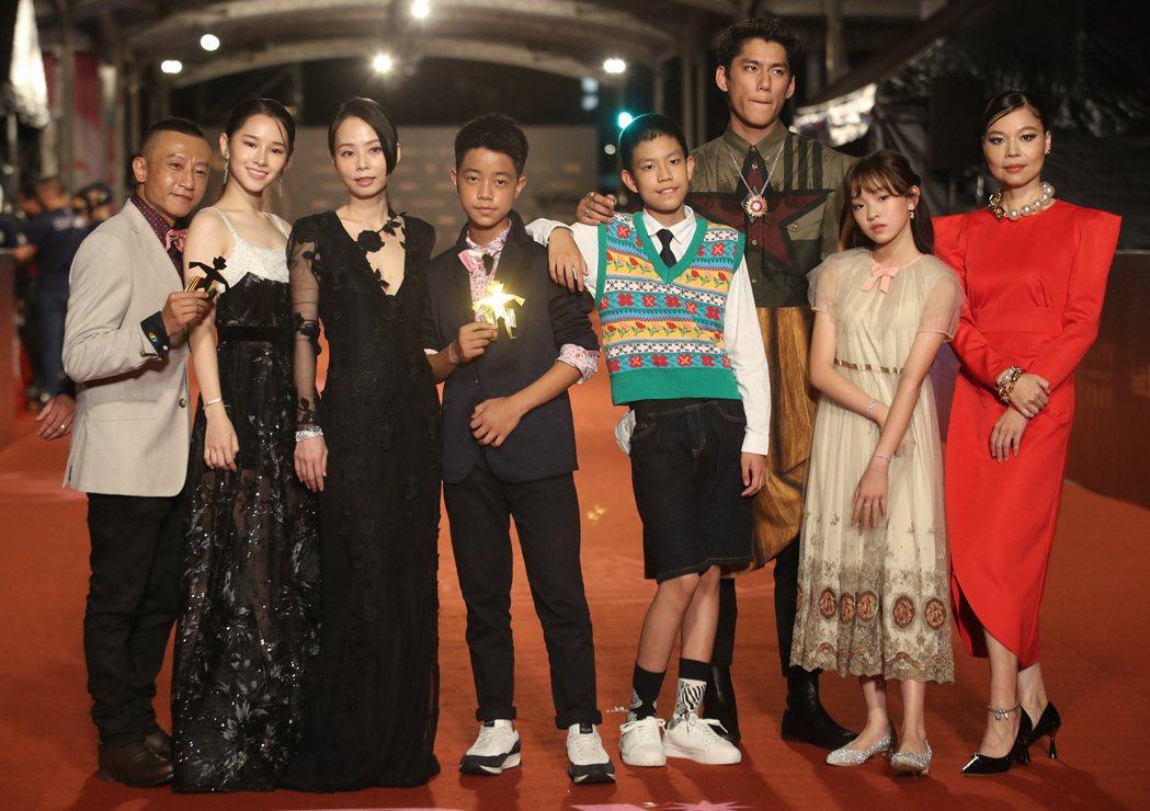 戲劇「天橋上的魔術師」成第56屆金鐘大贏家。圖/中央社
