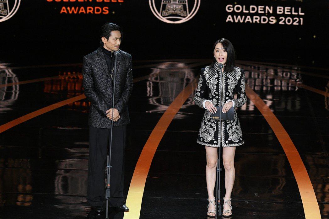 戲劇節目女主角獎頒獎人柯佳嬿、姚淳耀表示:對演員來說眼神的表演真的非常重要。圖/...
