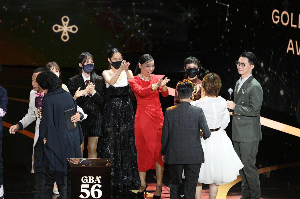 「天橋上的魔術師」是這次金鐘大贏家。圖/三立電視提供