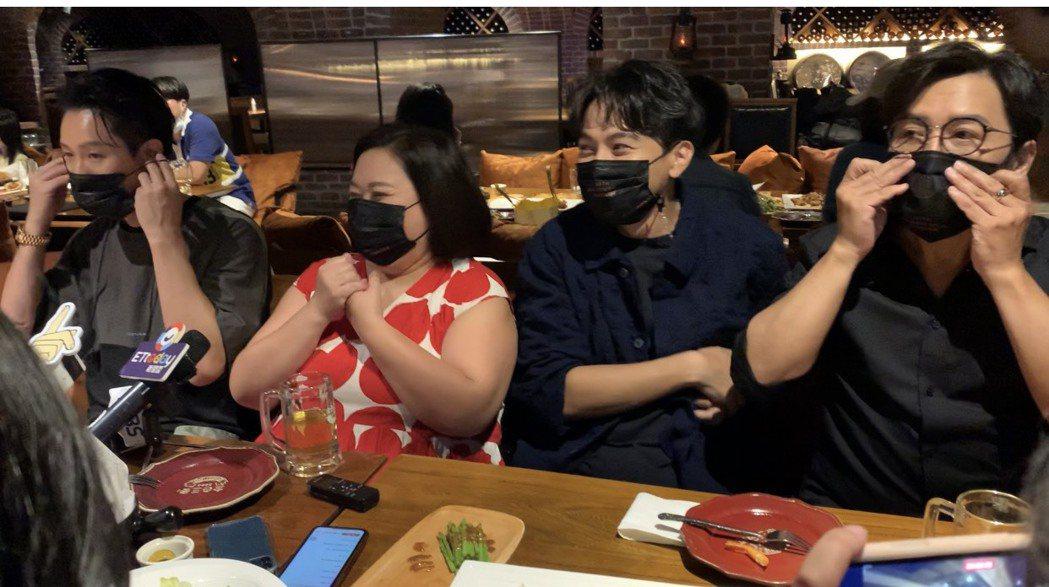 許傑輝(右起)、楊銘威、鍾欣凌、Darren邱凱偉出席「我的婆婆怎麼那麼可愛」金...