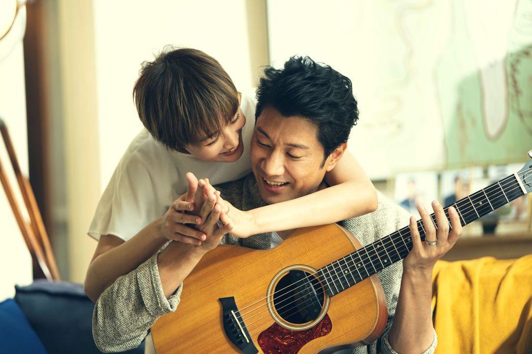 張鈞甯(左)和陳恩峰演一對。圖/HBO提供